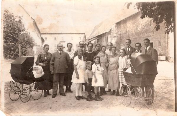 Batzenhof 1925 anno dazumals auf dem Bauernhof Landwirtschaft © Hannes Schleeh
