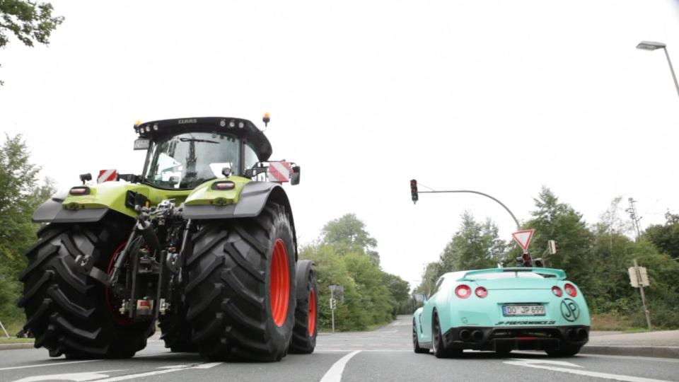 Taxi Traktor JP