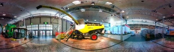 Lexion am Claas Stand CeBIT 2014