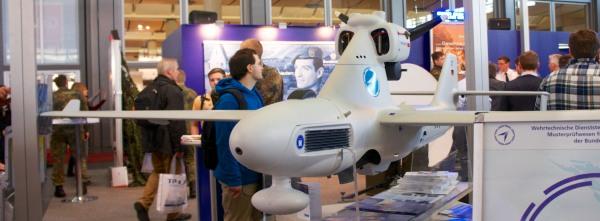 Militärische Drohne CeBit